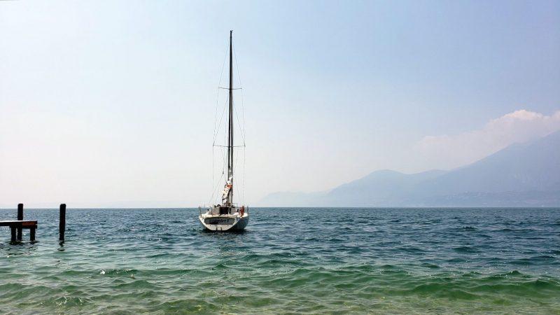 Nu prea există vehicul acvatic ce nu ai putea încerca pe lacul Garda